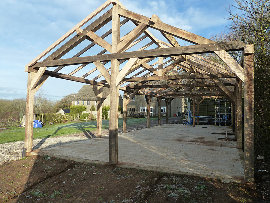 Outdoors-Oak-Frame-Structure